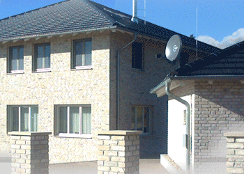 Klinker Eigenheim mit Garage