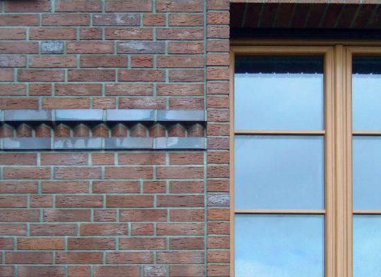 Klinkerfassade-Sohlbänke-Fensterleibung